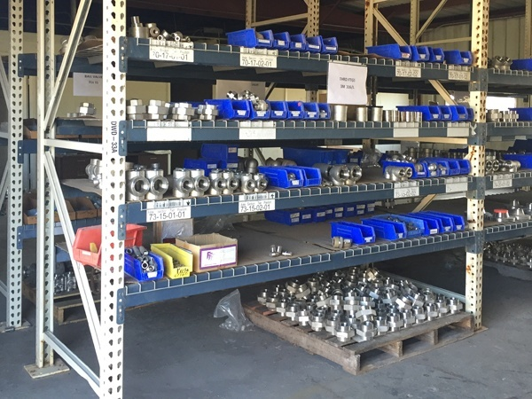 Rack of fittings and flanges